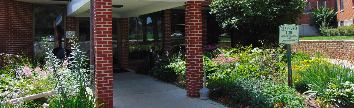 Front Entrance at Rolling Hills Rehabilitation